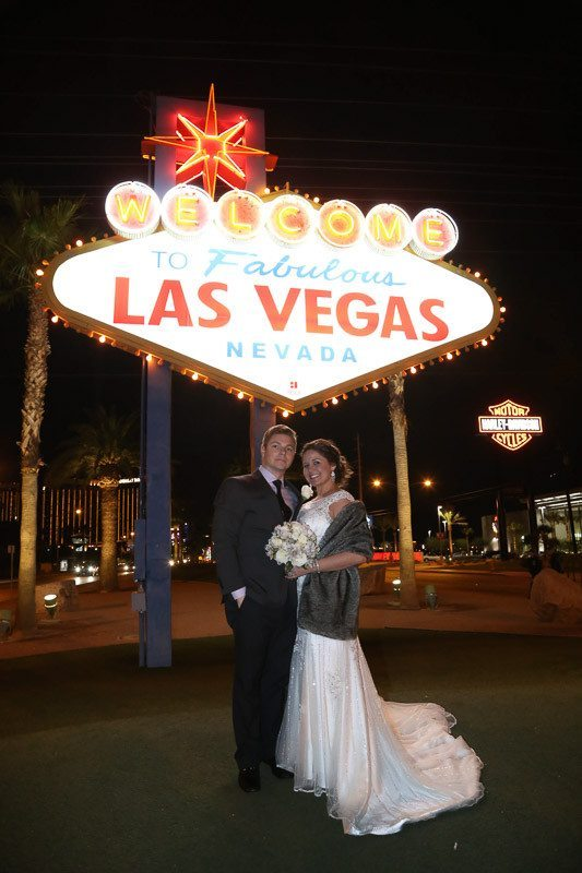 Facts about weddings little church of the west for Little las vegas